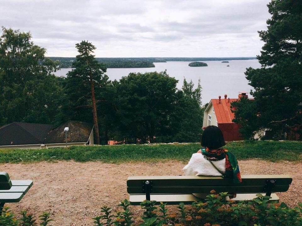 Korean degree student in Finland enjoying a lake-view