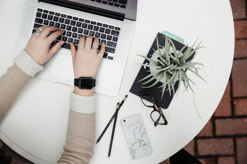 University student study online