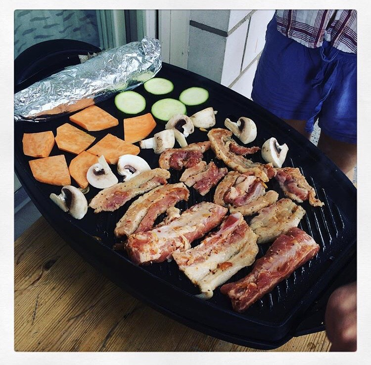 Linh had a bbq party with her friends
