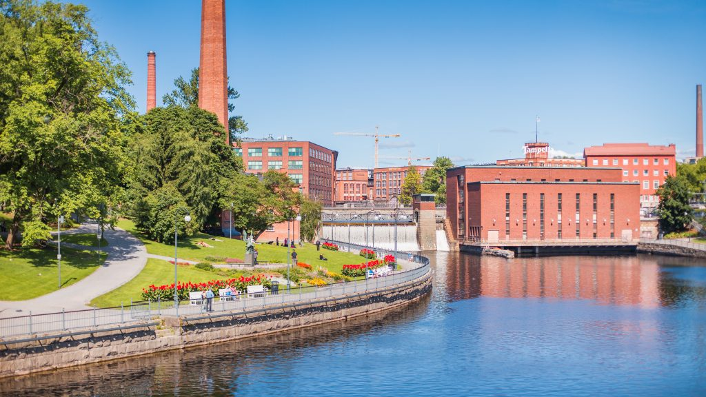 Photo of the rapid and the industrial buildings in Tampere city center